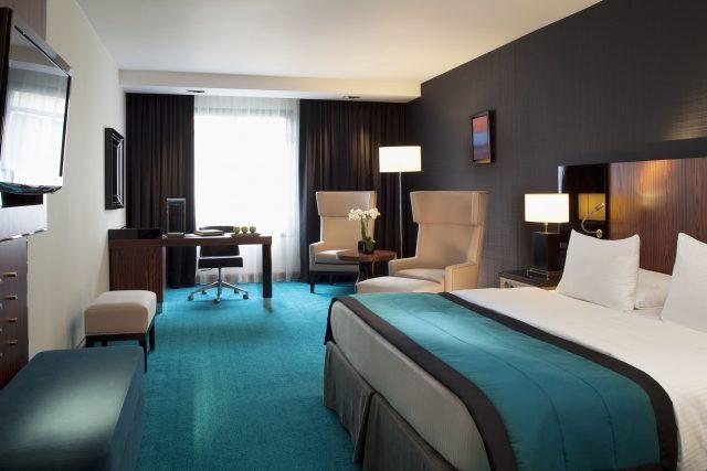 https://www.travelwebdesign.it/wp-content/uploads/2020/01/camera-hotel-clienti-business-640x427.jpg